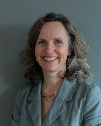 Julia Menard
